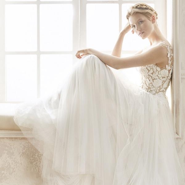 Location robe de mariee 75015